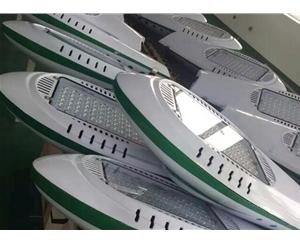 LED光源组装制作车间 (3)